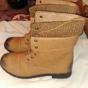 Soho Brown lace up boots size 10